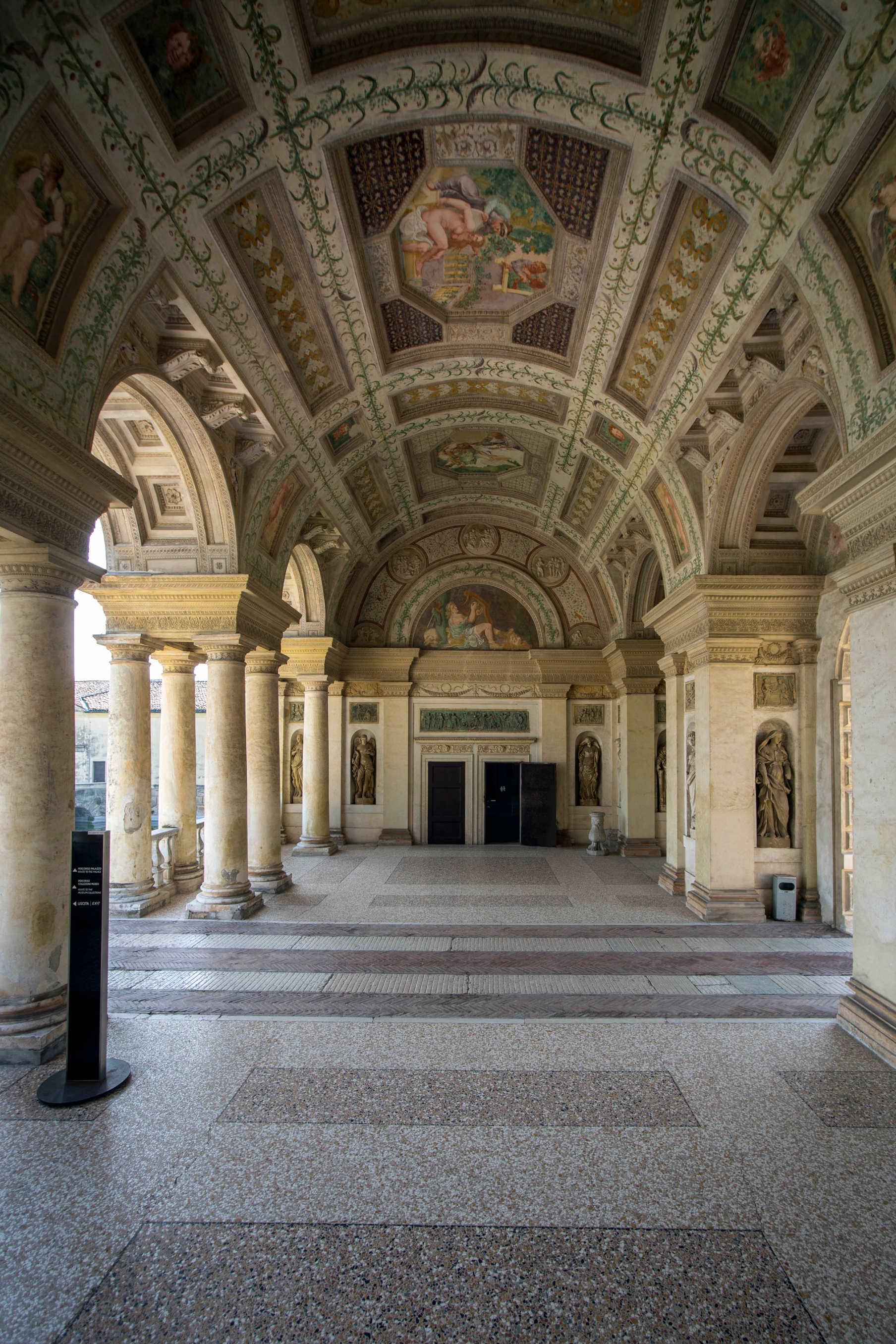 Loggia di David Palazzo Te Mantova