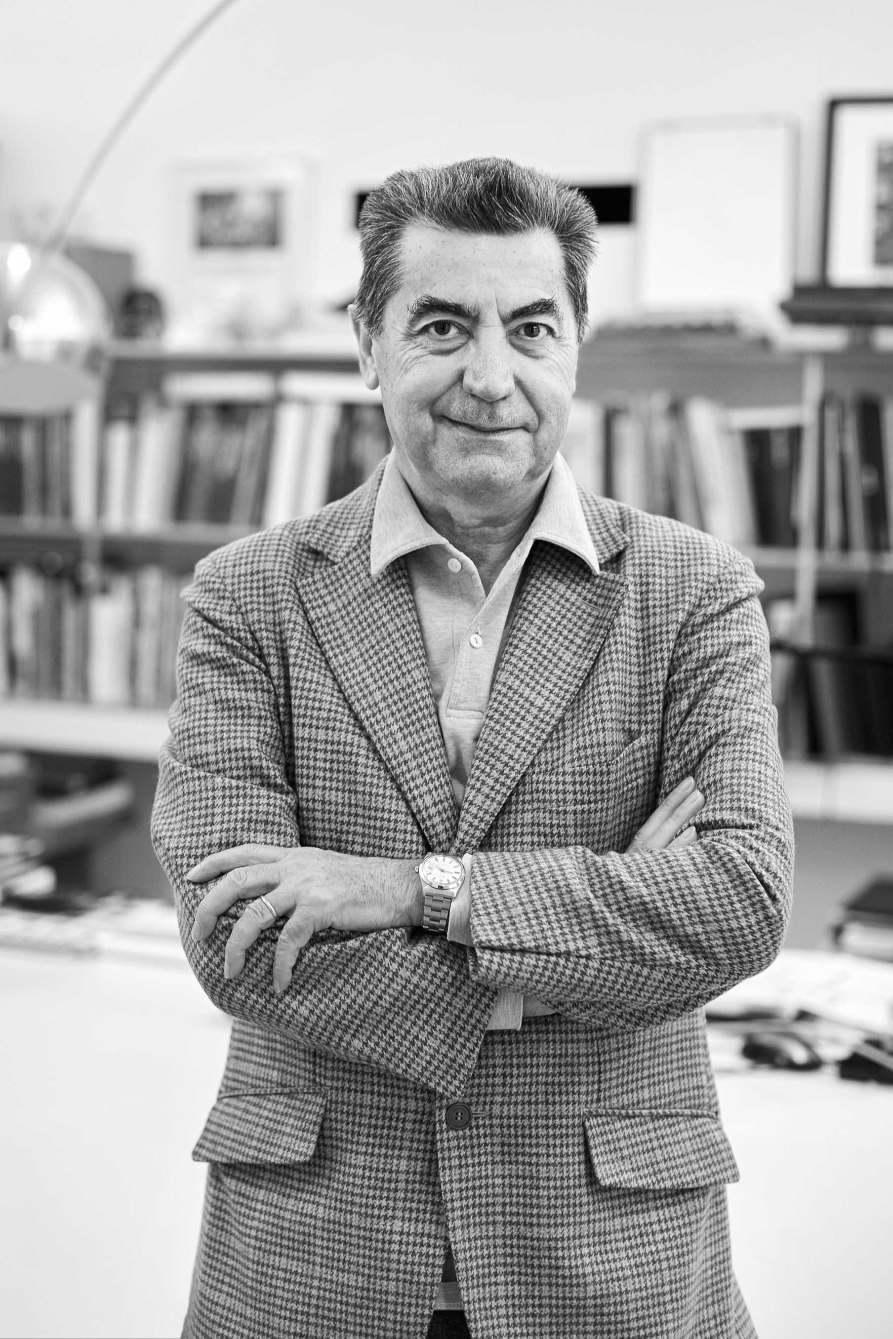 Antonio Citterio nel suo studio