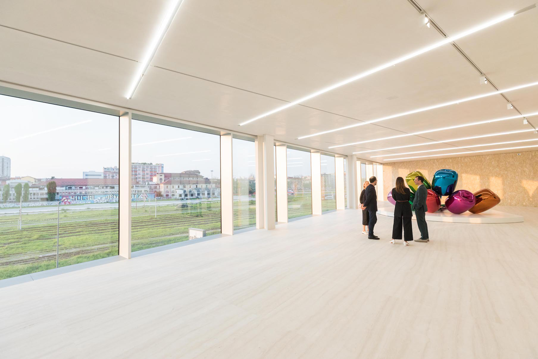 Sala espositiva Torre Fondazione Prada