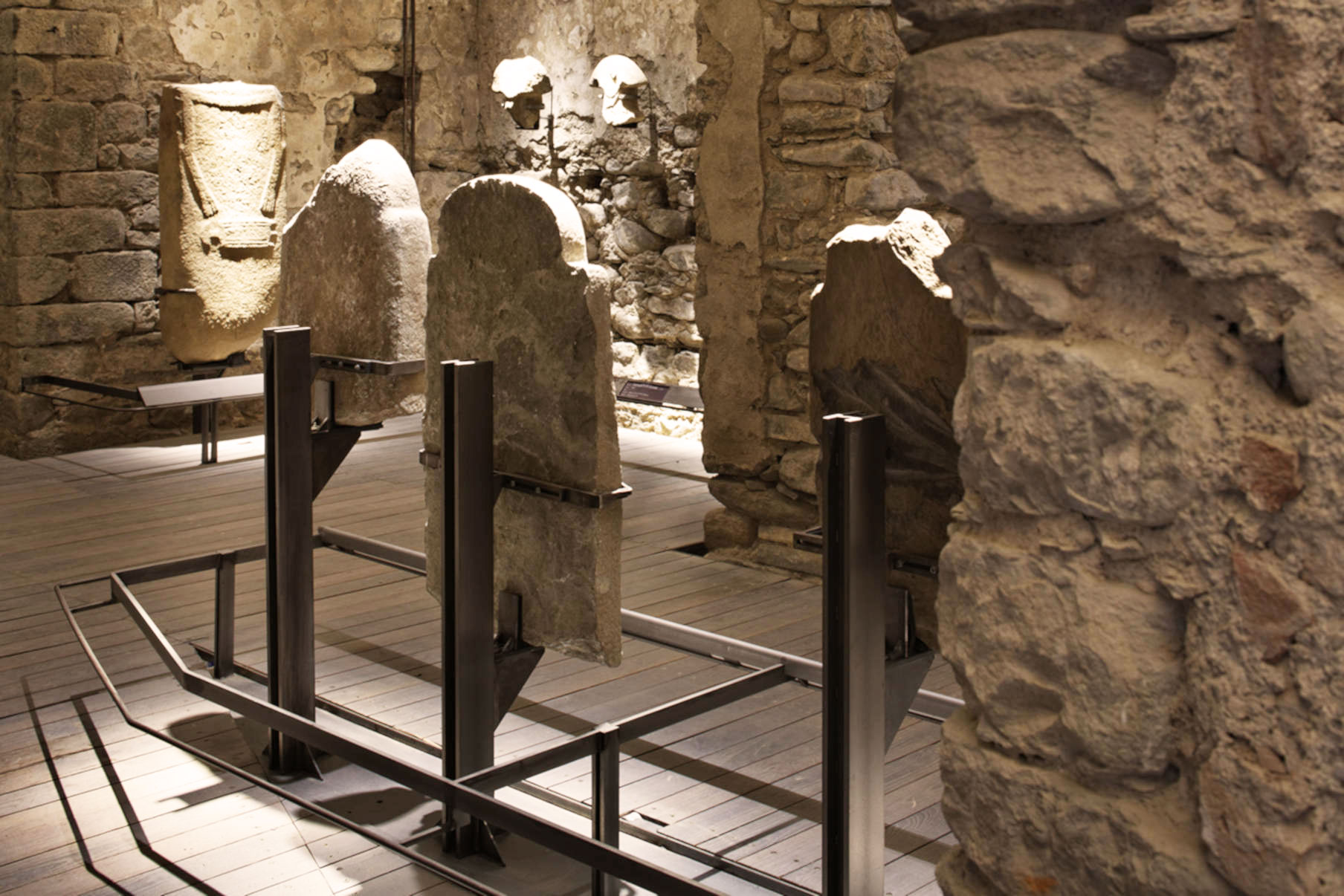 Sistema supporto museo Statue Stele