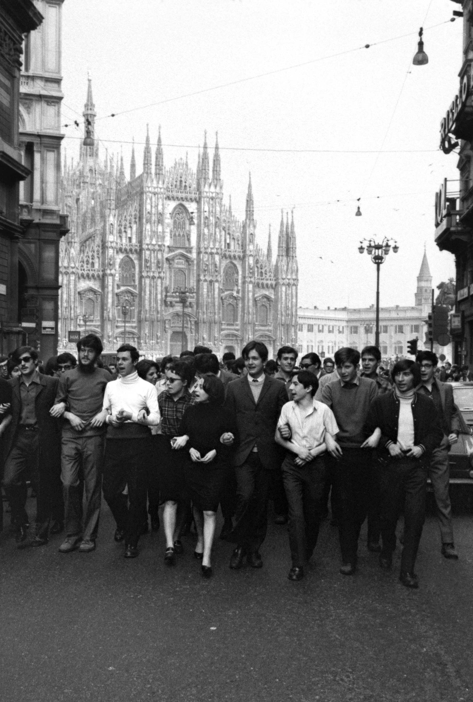 Studenti Duomo Milano 1968