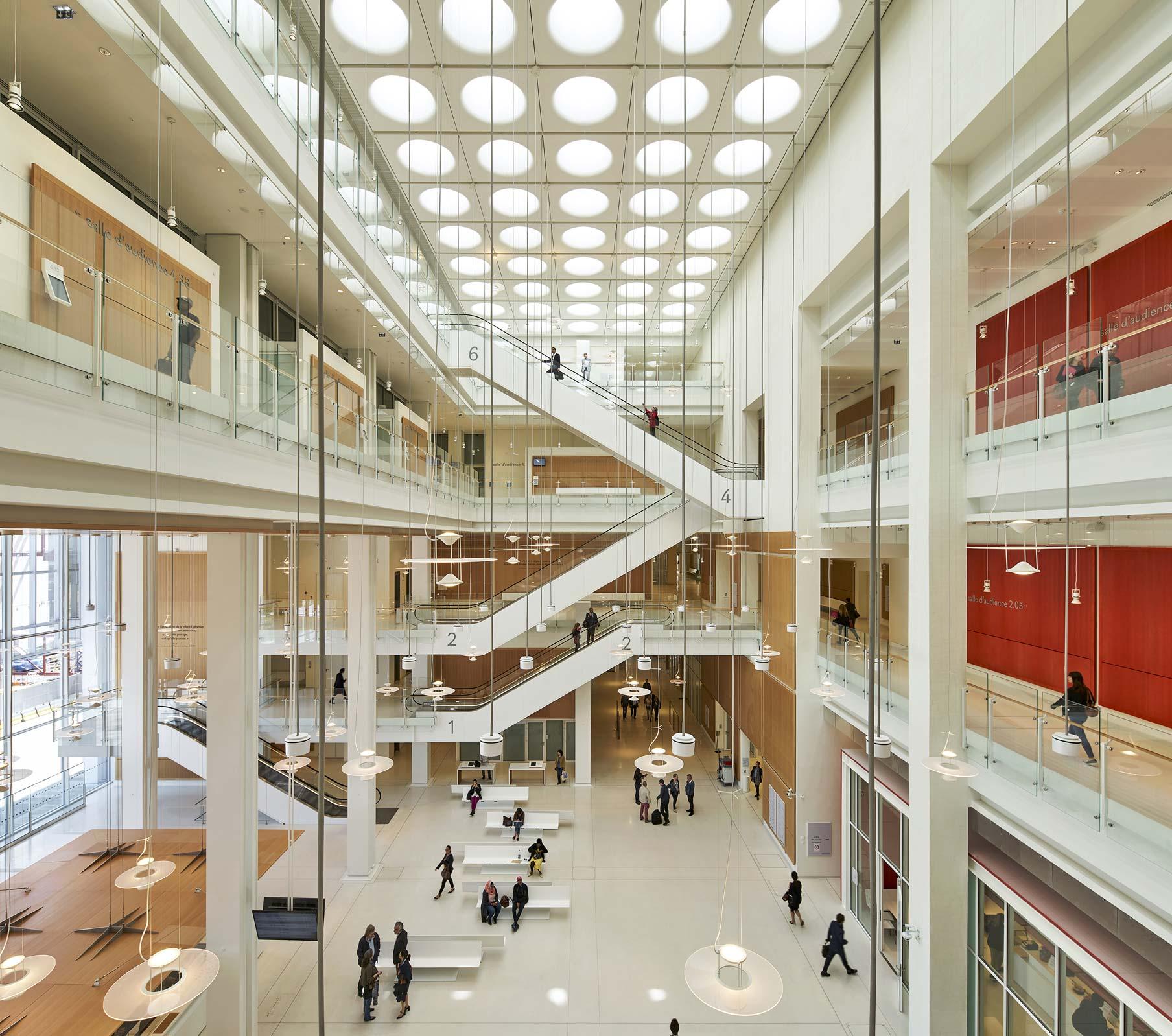 Atrio centrale Tribunale Parigi Renzo Piano