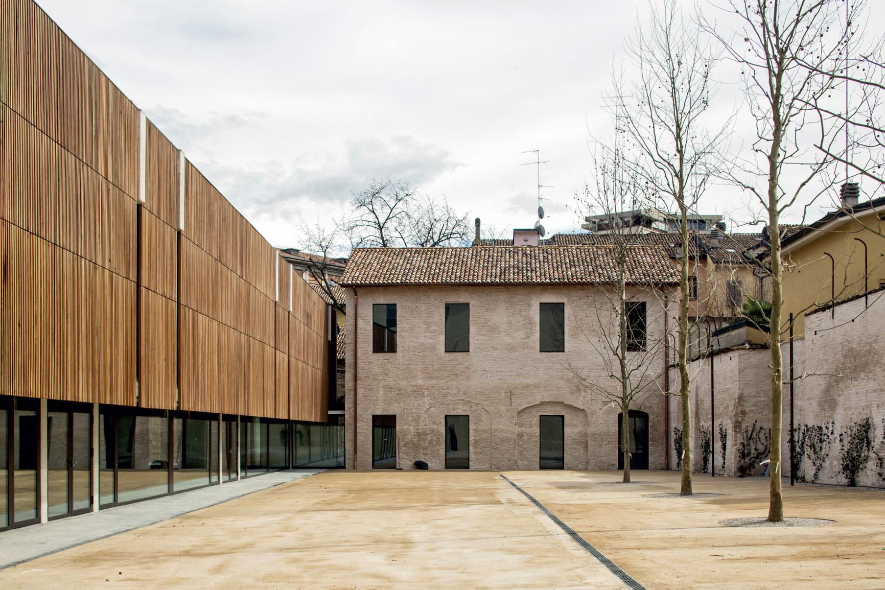 nuovo spazio pubblico San Pietro a Reggio Emilia