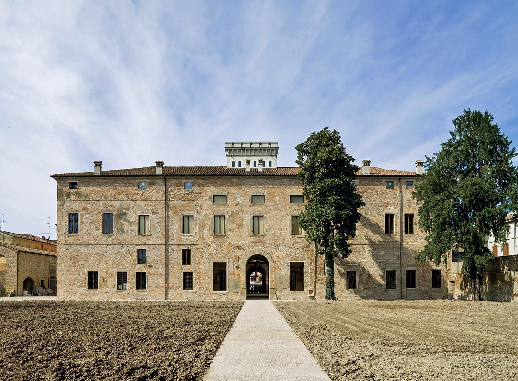 Facciata Est palazzo ducale Guastalla