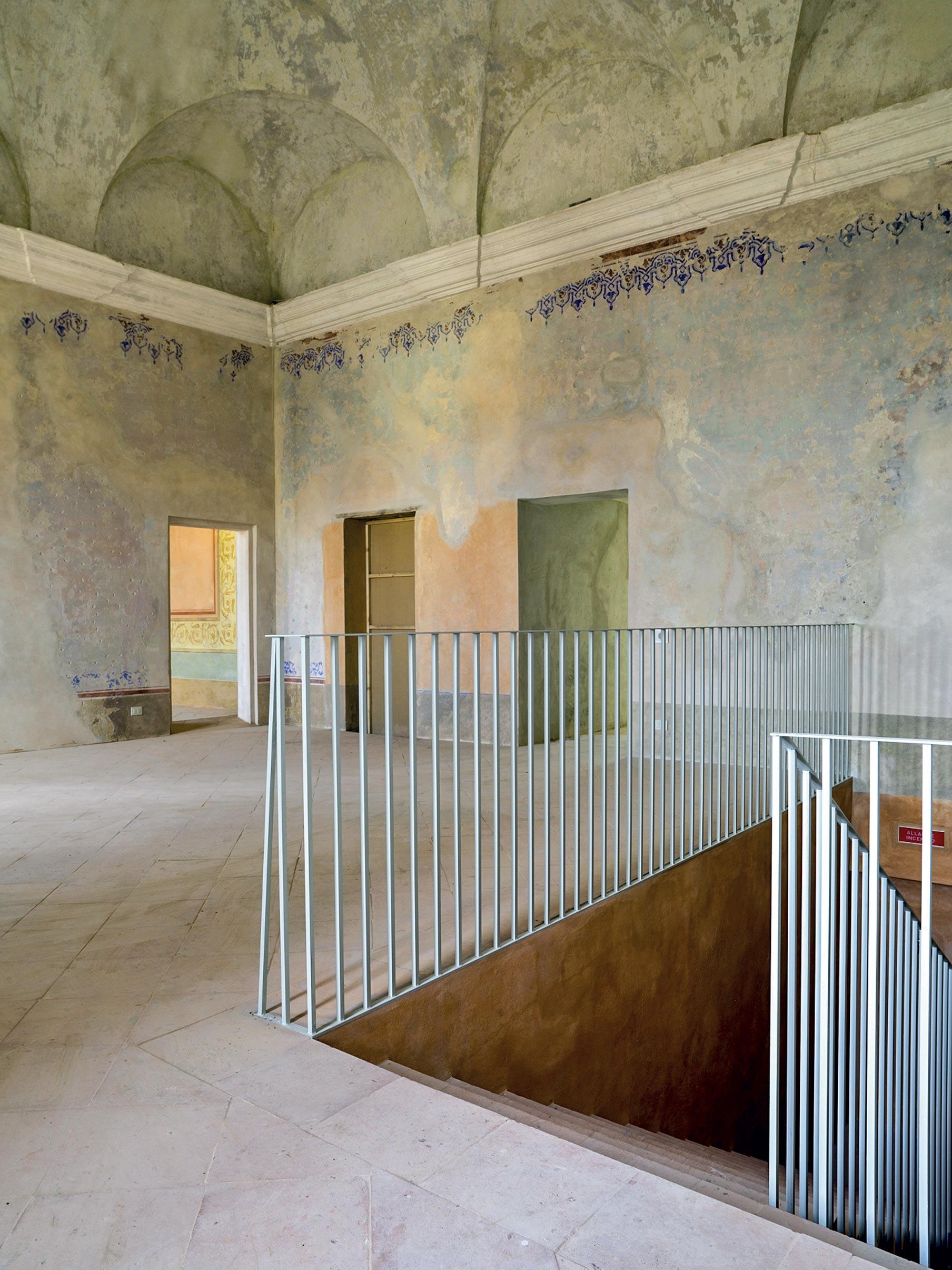Scala recuperata palazzo ducale Guastalla