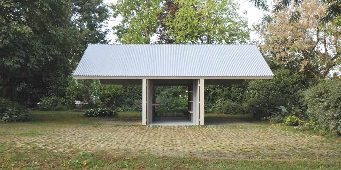 prospetto principale Pensilina-Atelier nel parco