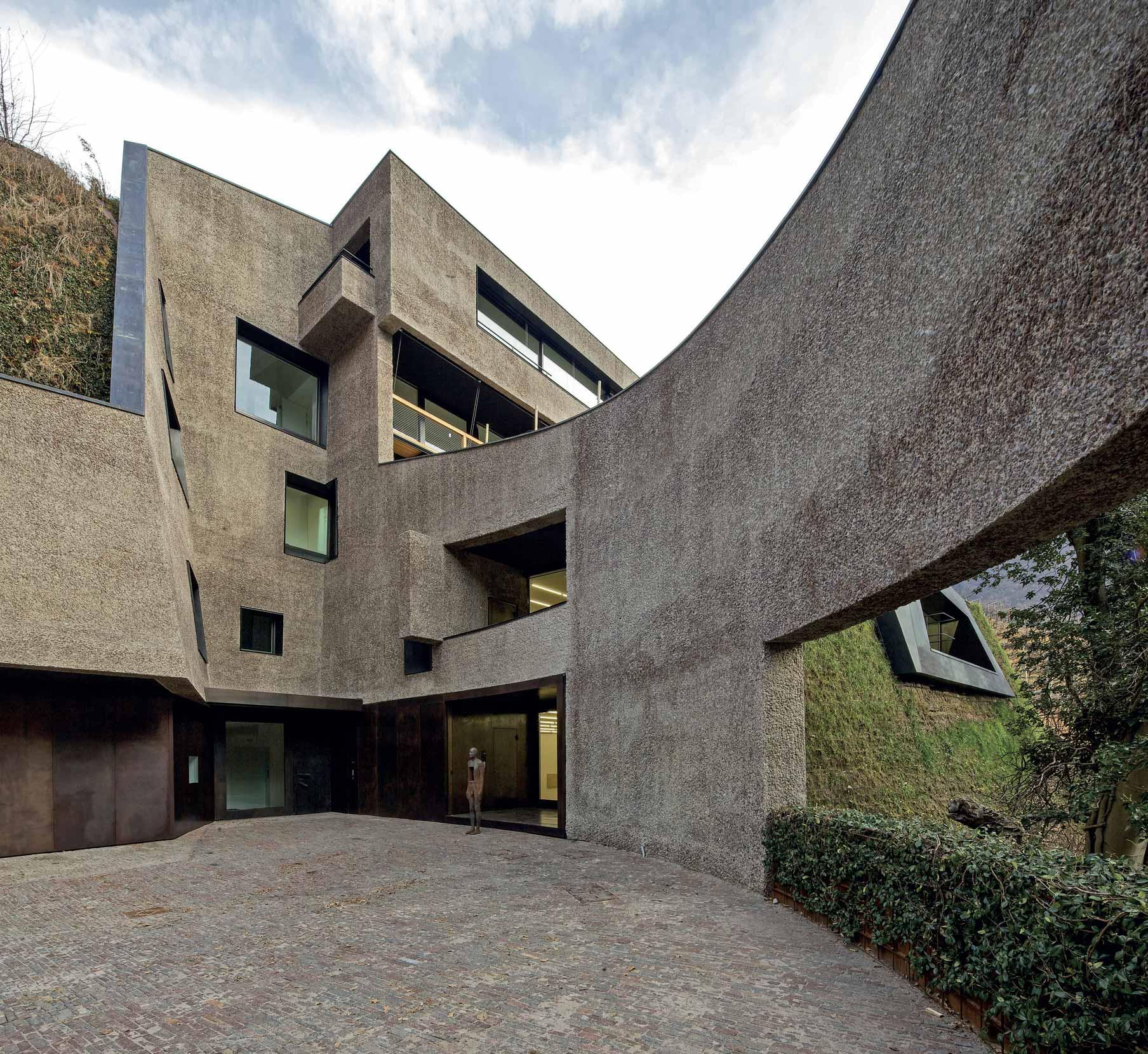 Veduta della corte casa del collezionista a Bolzano
